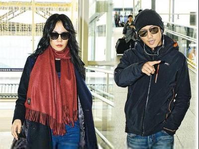 王菲机场索吻谢霆锋 在京置爱巢甜蜜同居