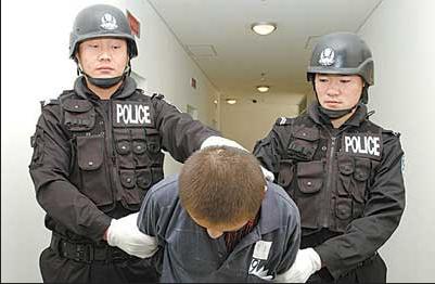 警方错认龅牙女尸遭丑女吐槽 反找出真凶