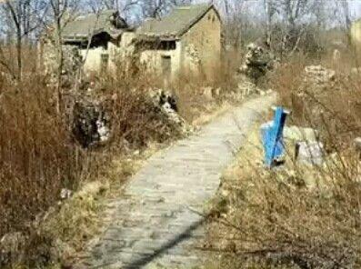 男子在景区内临时起意抢劫 失手将对方捅死