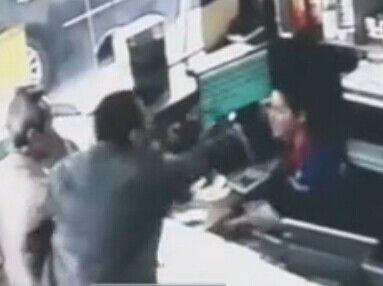 豪车司机大闹加油站 打骂女收银员致其抽搐晕厥