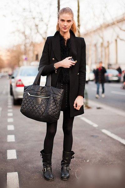 宽松黑色短靴