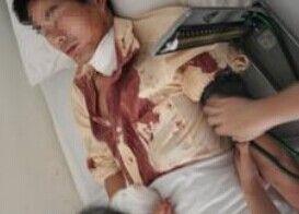 男子挥舞小刀追杀50岁老汉 警方称刀刀割喉