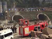 成都洛带在建隧道爆炸已致20多人伤 现场下灰尘雨