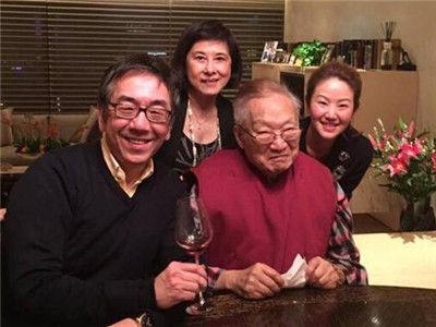 网友齐贺金庸91岁生日 计划今年再推新作