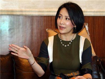 刘嘉玲接拍宋美龄 称做好自己不拒与他人比较