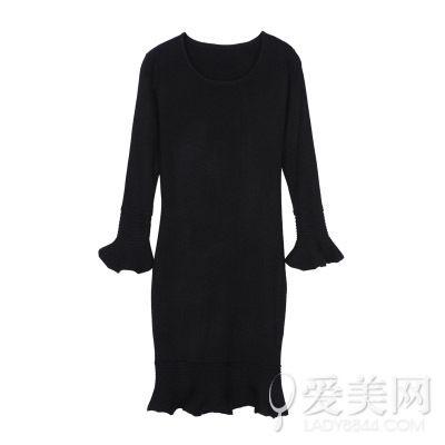 荷叶边裙摆喇叭袖显瘦针织连衣裙