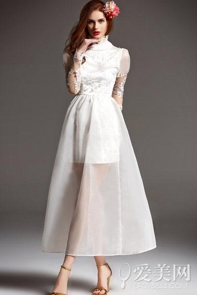 纯白气质镂空长裙