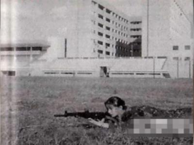 赵薇范冰冰历史渊源已久 曾为同学军训打靶