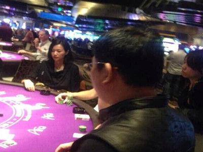 徐静蕾与黄立行恋情稳定 美国度假到赌场试手气
