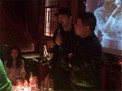 黄晓明被爆上夜店 baby力挺男友称我是夜店