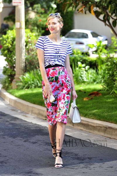 学杰米·金(Jaime King) 这样穿印花裙,春季都能美起来!