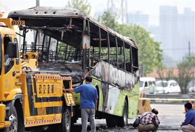燕郊进京公交遭纵火 有乘客想打纵火者称其谋杀