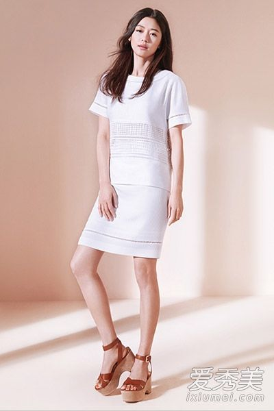 白色连衣裙清新纯净