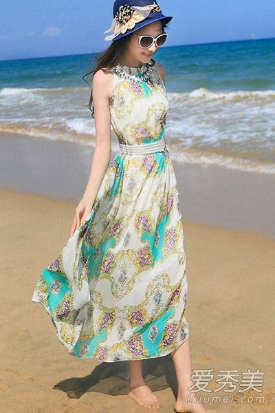 淡雅印花长裙唯美优雅