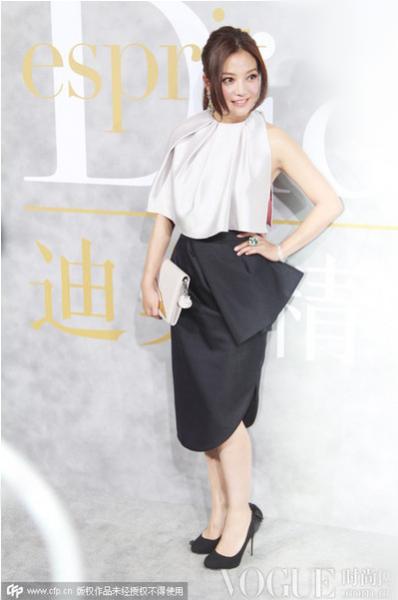 赵薇出席《迪奥精神》展览开幕式