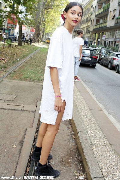 双侧开衩设计的衬衫裙