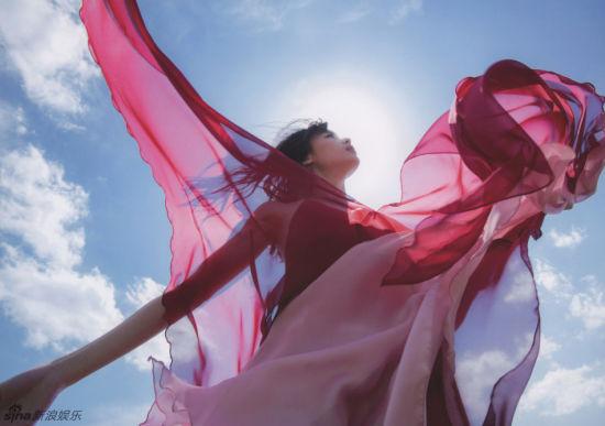 日本美少女矢岛舞美性感大片红裙美艳