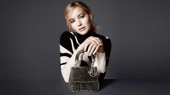 Jennifer Lawrence演绎Be Dior手袋系列广告大片