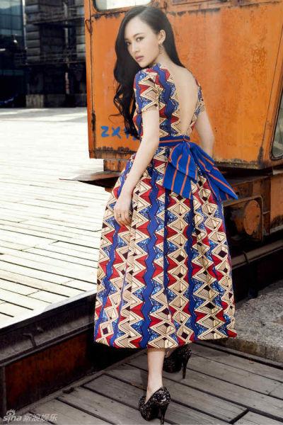 刘娜萍复古写真大气优雅尽显熟女风范