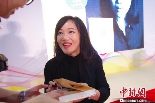 张悦然在南国书香节上与读者交流 黄卓贤 摄