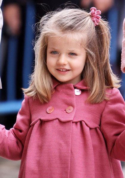 西班牙王储费利佩和莱蒂齐娅王储妃的长女:莱昂诺尔公主。