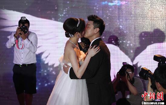 乒坛名将王皓在家乡吉林省长春市举行婚礼