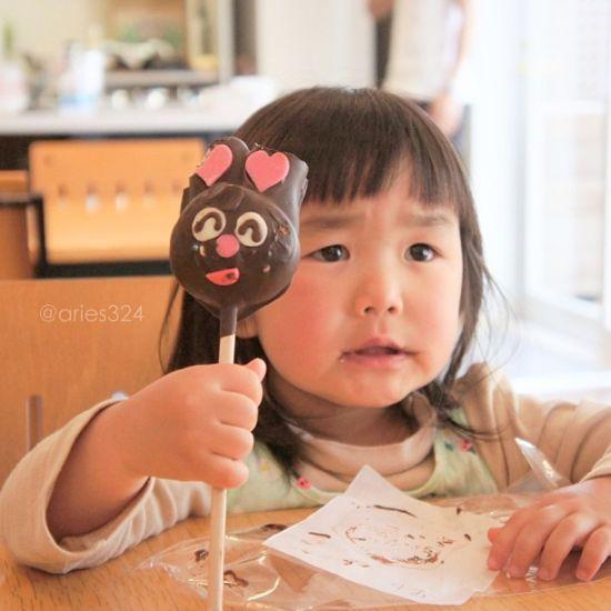 表情女帝#齐刘海女孩爆红; 齐刘海女孩童颜萌照火爆图片