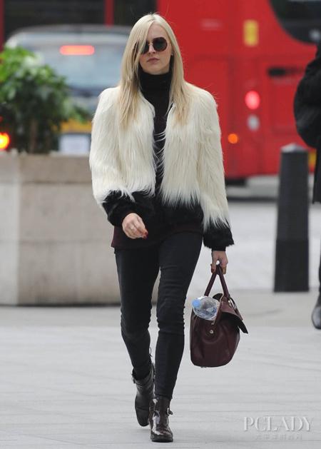 时尚主播菲妮·科顿 今冬最IN LOOK