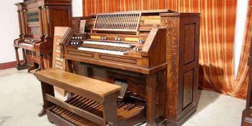 20世纪初,现代钢琴传入厦门,但学琴之风却是在水一方的鼓浪屿兴起.图片