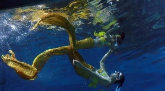 武汉海昌极地海洋公园于是萌生了一个新的产品理念--夜宿极地.