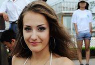 大学生排球赛上的美女