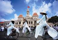 越南美女旗袍开叉到腰
