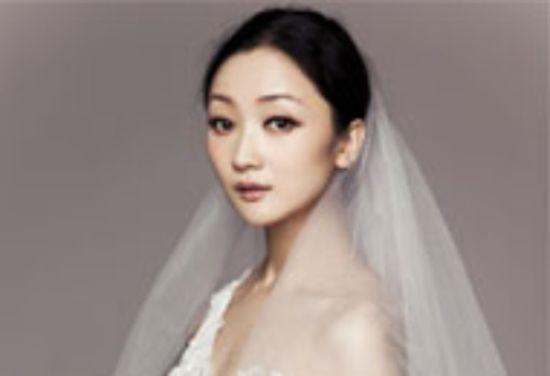 张瑶曝光写真婚纱造型