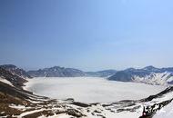 初夏长白山上雪
