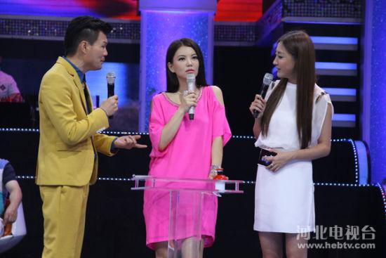 李湘做客河北卫视 泪洒明星同乐会现场