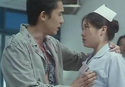 实拍醉酒男急诊室内摸女护士臀部遭骂