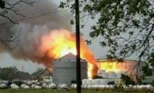 美国得州化肥厂爆炸已致70死亡2800人疏散