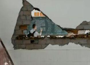 汶川重建中学被毁