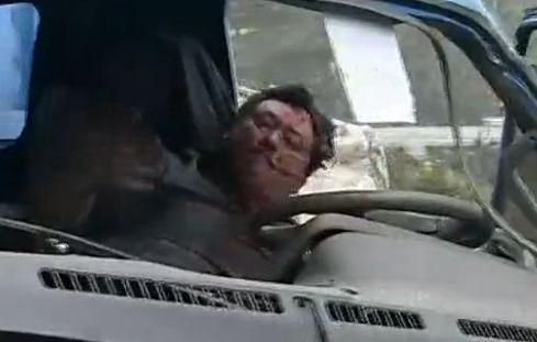 实拍滚石砸中救援车志愿者不幸身亡