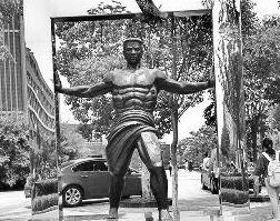 南京大学奇葩雕像