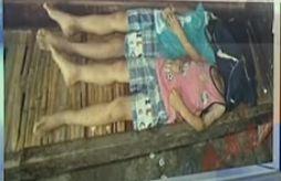 两幼童被奶奶吊死